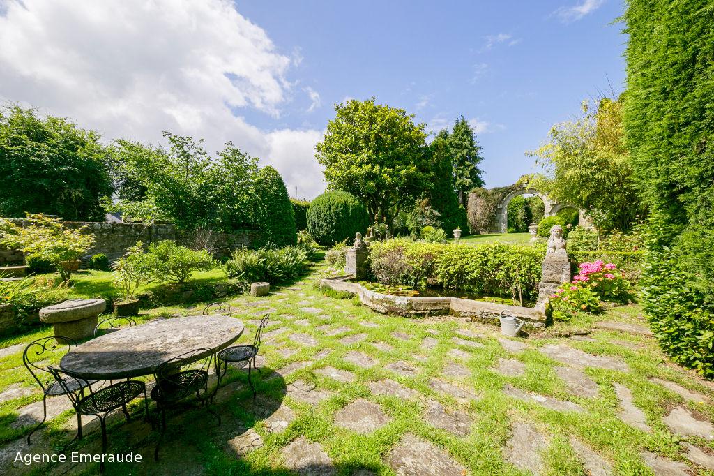 Maison Dinard 9 pièce(s) 208 m² Grande propriété au coeur de Dinard