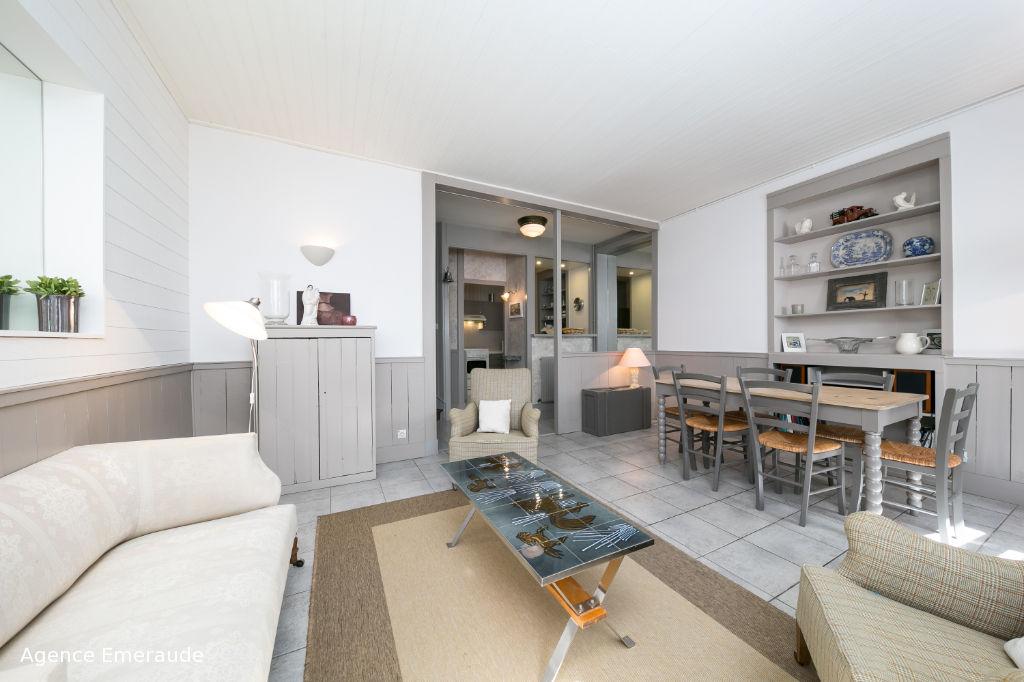 Maison de ville Dinard hyper centre 3 chambres, 1 salle de bains, 1 salle d'eau