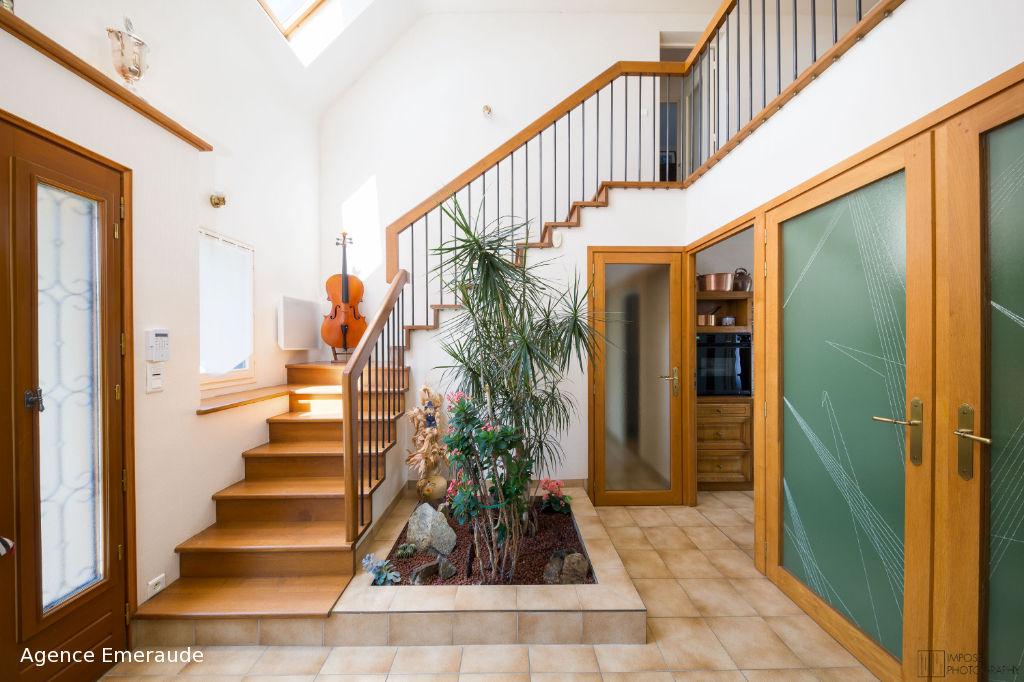 Maison Dinard  5 pièce(s) - 135m² - proche plages chambre et sde au rez-de-chaussée - sous-sol total