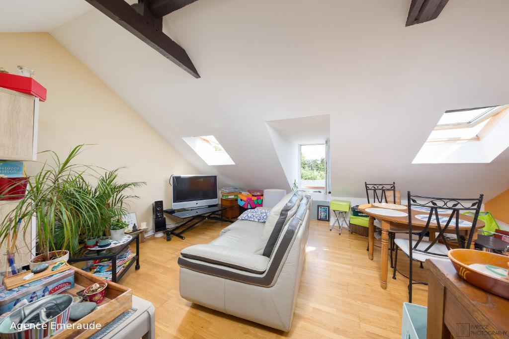 Appartement de type 2 bis pièce(s) SAINT LUNAIRE  61.07 m² - 35.37 m² loi carrez dernier étage