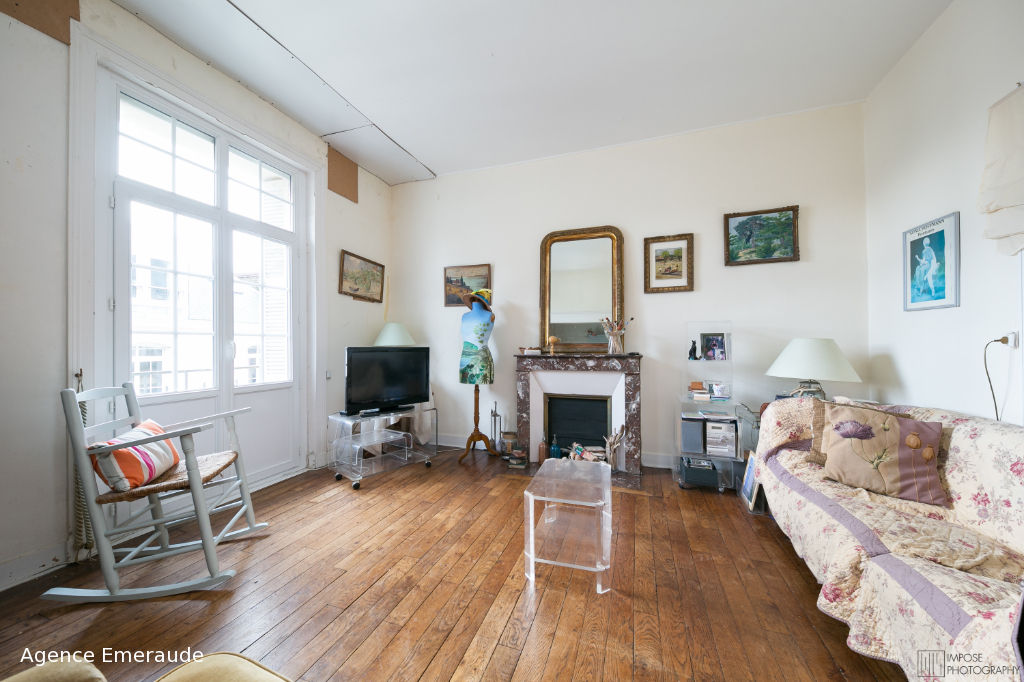 Appartement DINARD 3 pièce(s) 74.10 m² immeuble ancien beaux volumes balcon