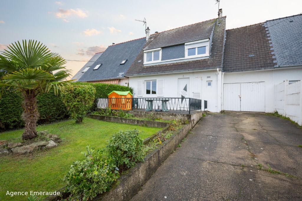 Maison La RICHARDAIS centre bourg, 4 chambres, parking, garage, véranda
