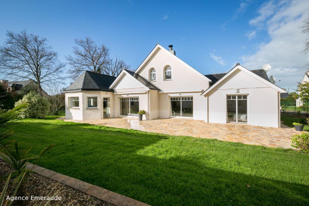 Maison Dinard 8 pièce(s) 280 m² habitables, 2 chambres et salle d'eau au rdc garage terrain 1476 m²