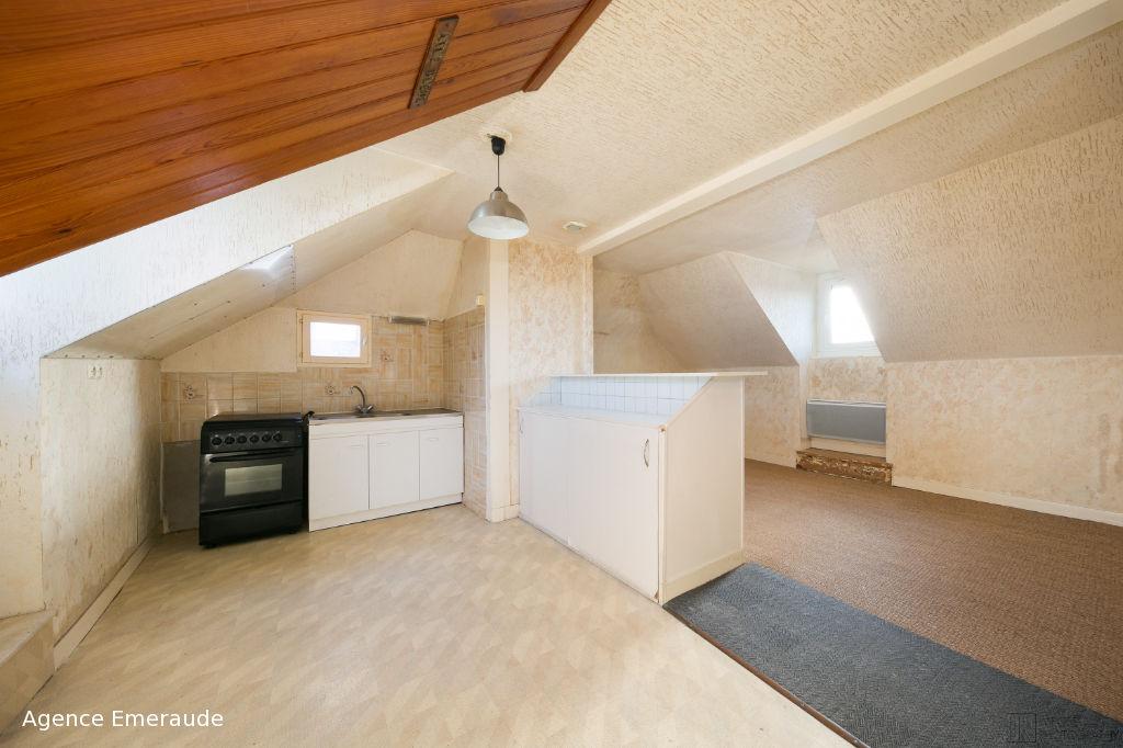 Appartement Dinard 3 pièce(s) 47.72 m2 dernier étage centre bourg Saint-Enogat
