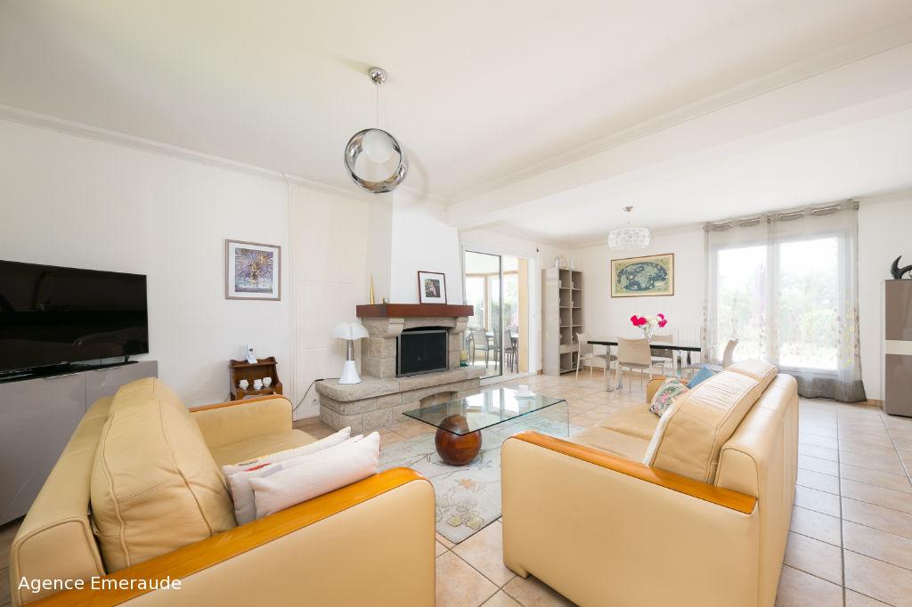 Maison La Richardais centre bourg 7 pièce(s) 151 m² - suite parentale au rez-de-chaussée