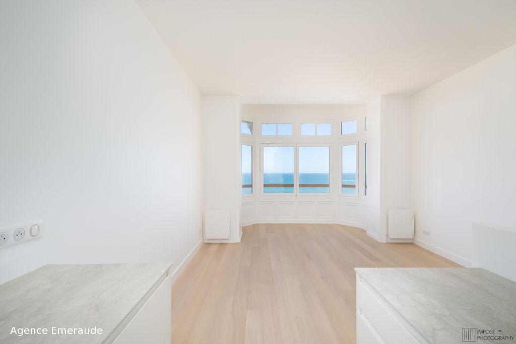 Appartement Dinard vue sur mer 2 pièce(s) 39.18 m² accès direct à la plage de st Enogat, très belles prestations