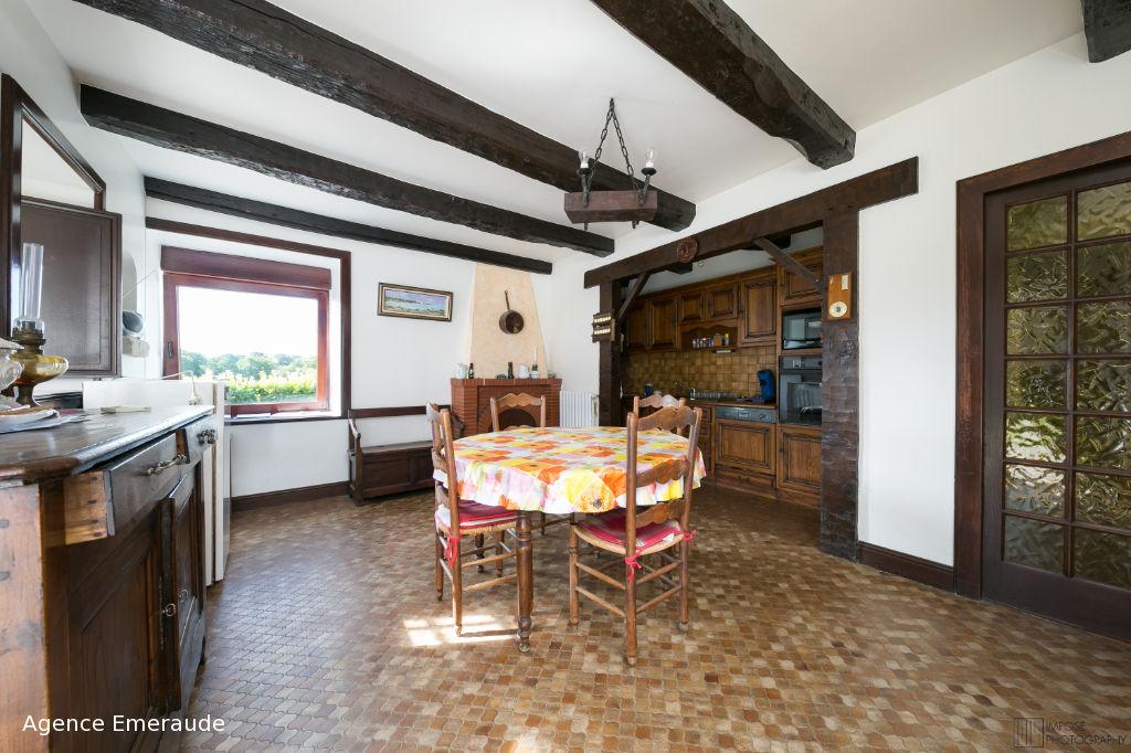 A vendre propriété Pleslin-Trigavou maison d'habitation et nombreuses dépendances