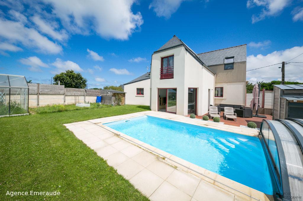 Maison La Richardais 6 pièce(s) 191 m2, 5 chambres, piscine.