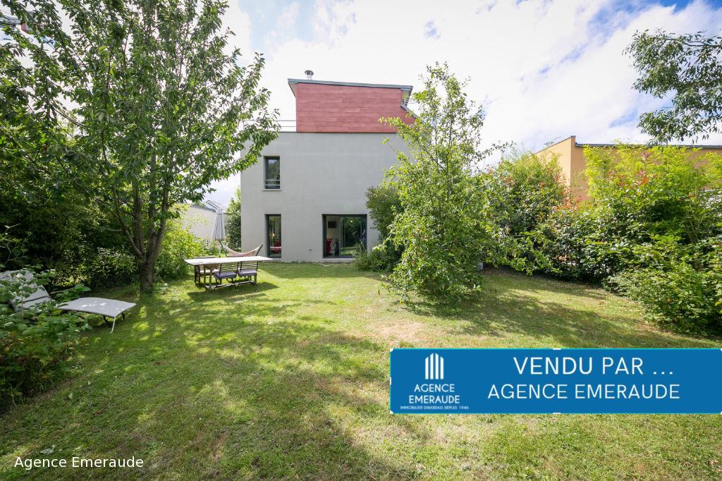 Maison Dinard 5 pièce(s) 111.37 m² habitable 4 chambres dont une suite parentale au rez-de-chaussée, garage, jardin