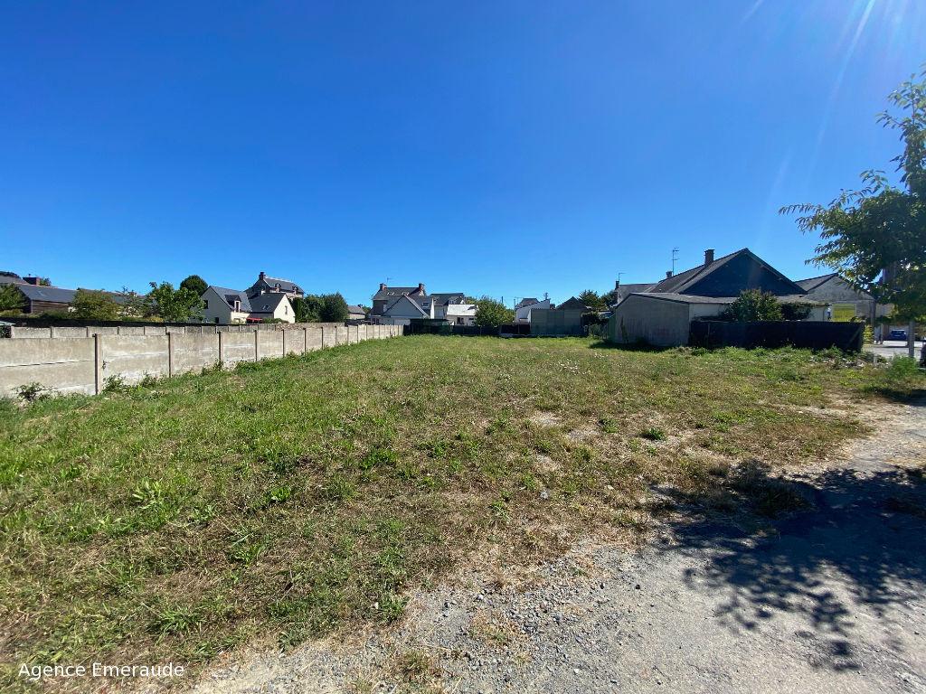 Terrain Plouër sur Rance 750 m² environ, centre bourg, divisible