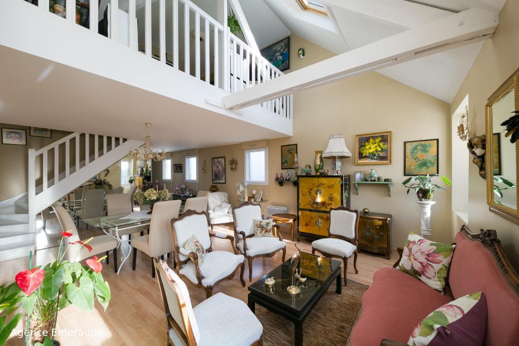 Appartement Dinard 5 pièce(s) 151.32 m2 duplex dernier étage hyper centre
