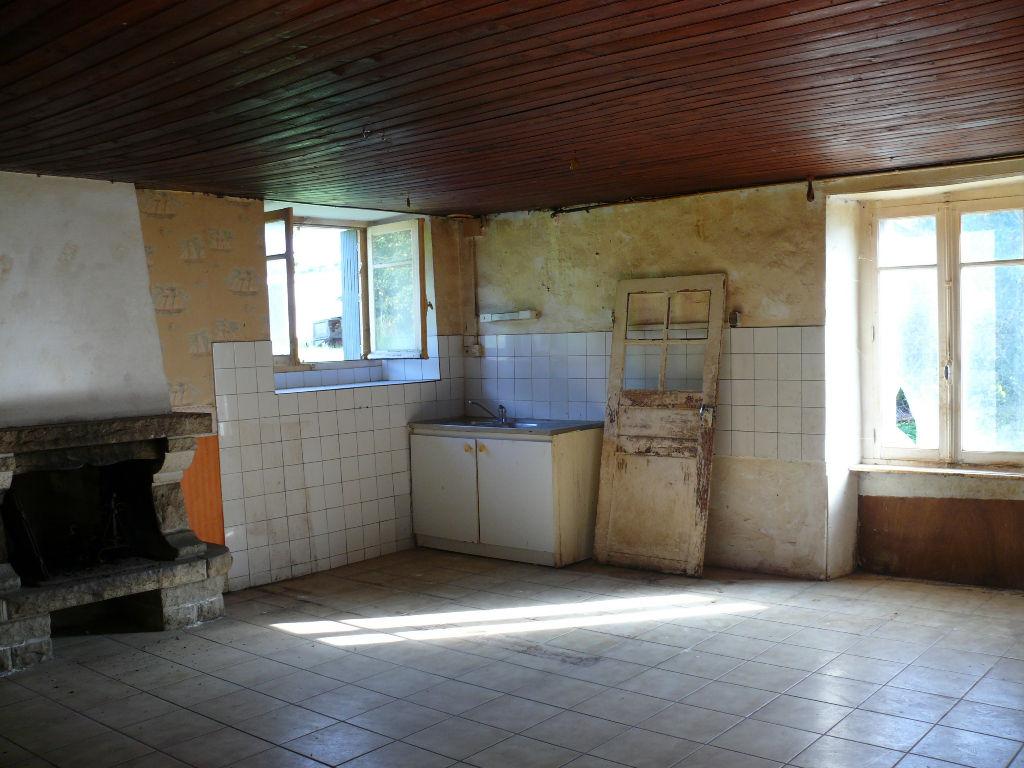 A 15mn au sud de Dinan : maison de campagne de 3 chambres avec 1300m² de terrain