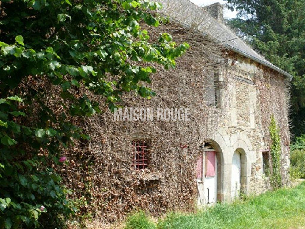 Plouasne : très beaux bâtiments à rénover