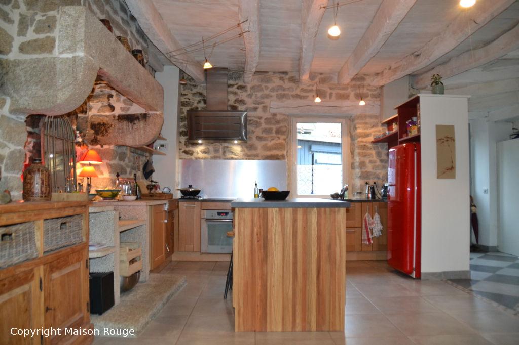 Ensemble de deux maisons de charme sur 2630 m²