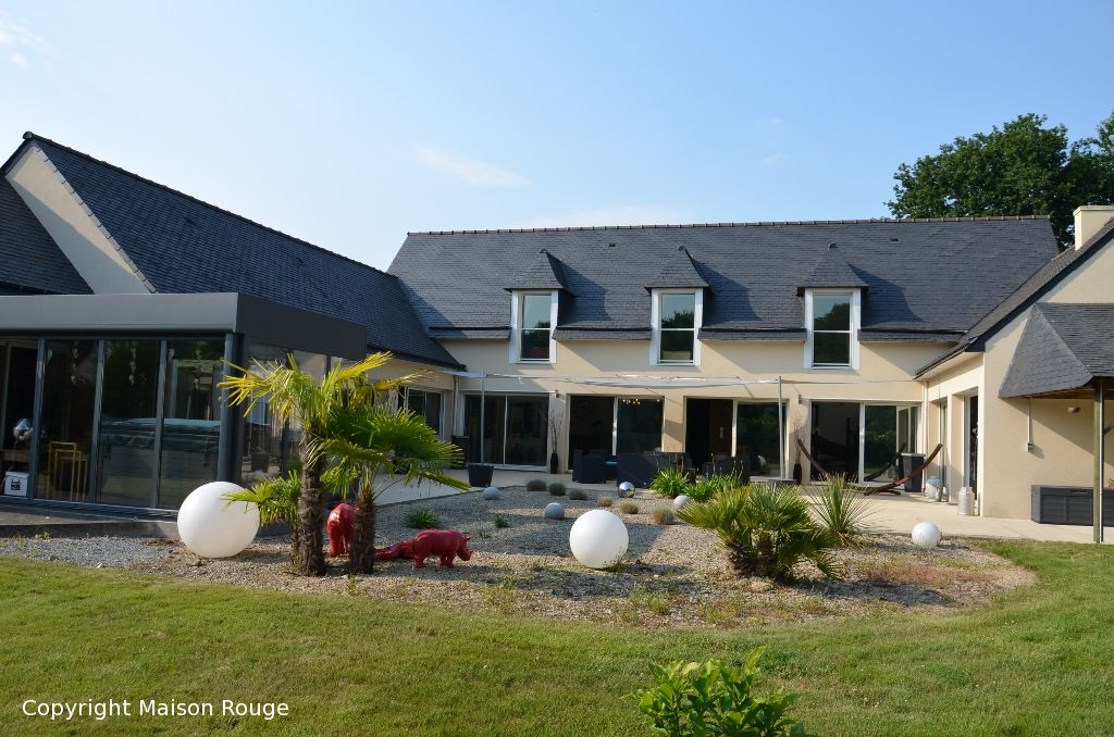 Spacieuse contemporaine  315 m2 sur jardin clos de 1537 m²