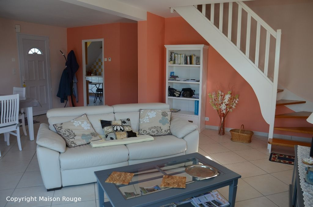 Maison contemporaine sur 700 m² de jardin au calme