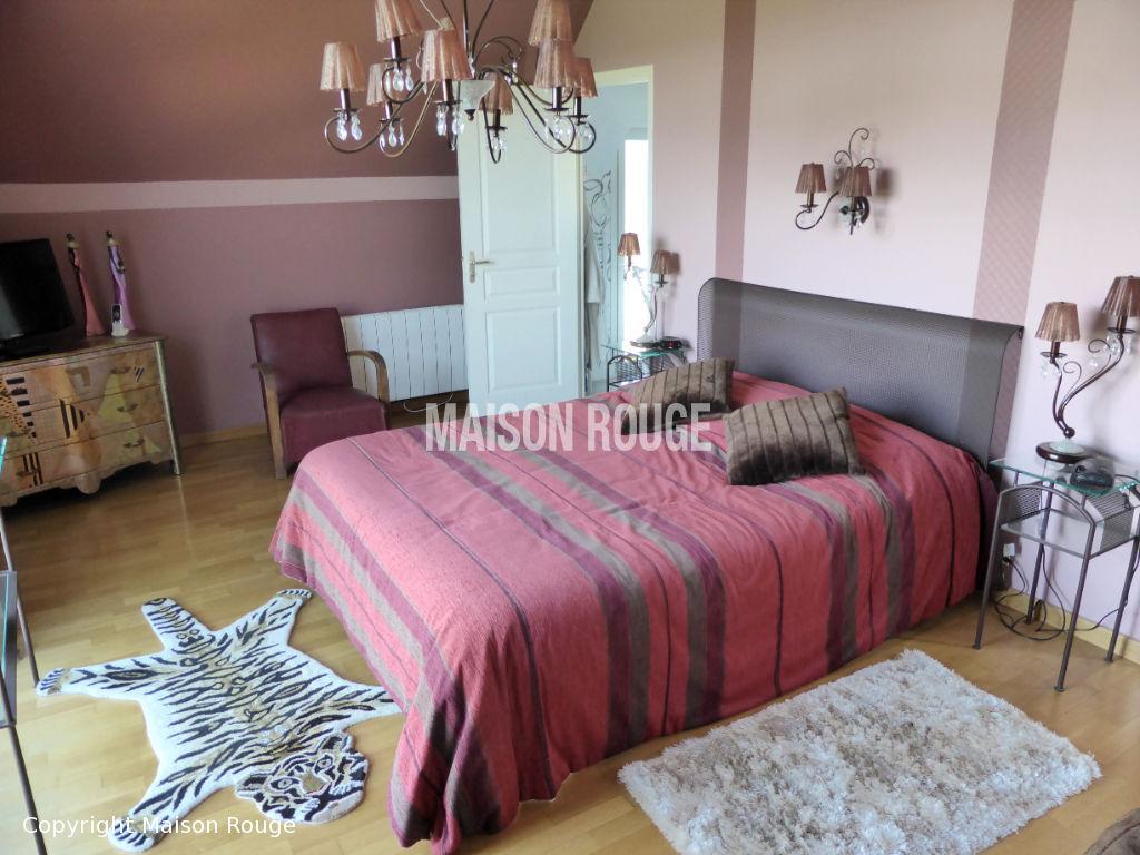 Villa Cancale 9 pièce(s) 246 m2