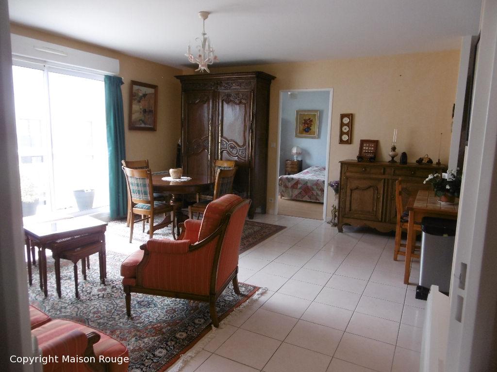Appartement PLOUBALAY -Beaussais Sur Mer 3 pièce(s)