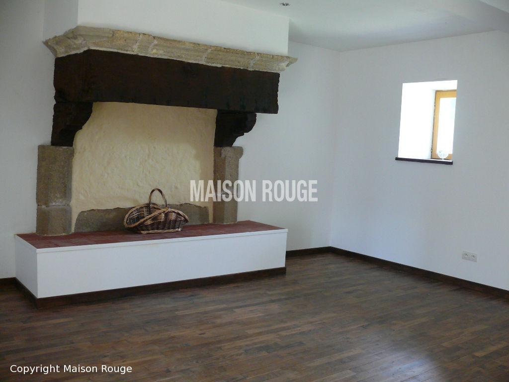 A 10 mn de DINAN : belle maison du XVIIème siècle