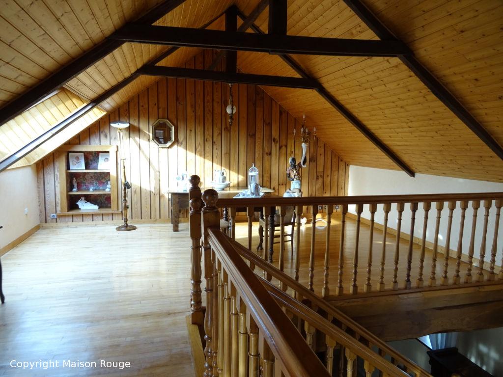Grande maison en vente à Caulnes à 235800 €.