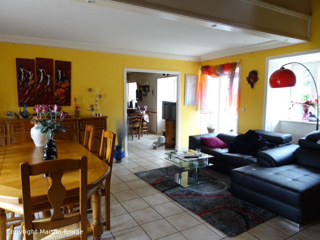 En vente pour  famille à Languédias : maison indépendante sur 7380 m²