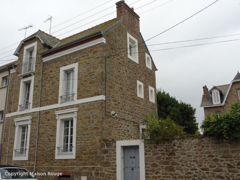 Maison de ville rénovée Saint Malo 7 pièce(s)