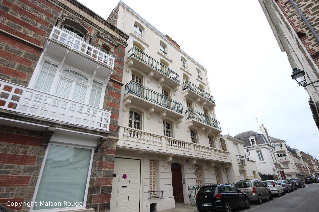 Appartement Dinard 5 pièces / GARAGE / BALCONS / CAVES