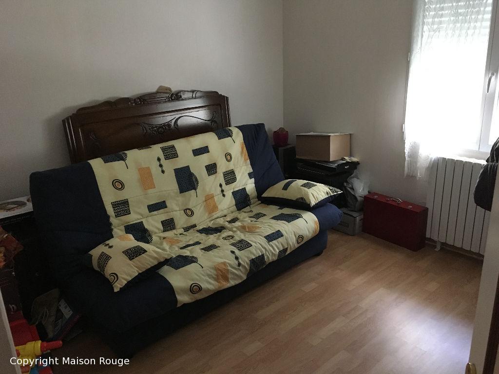EVRAN centre: Maison sur sous-sol total