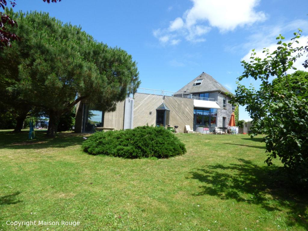 Maison Saint Coulomb- Terrain arboré d'environ 2900m²
