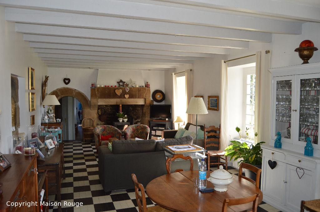Maison  7 pièce(s) 174 m2