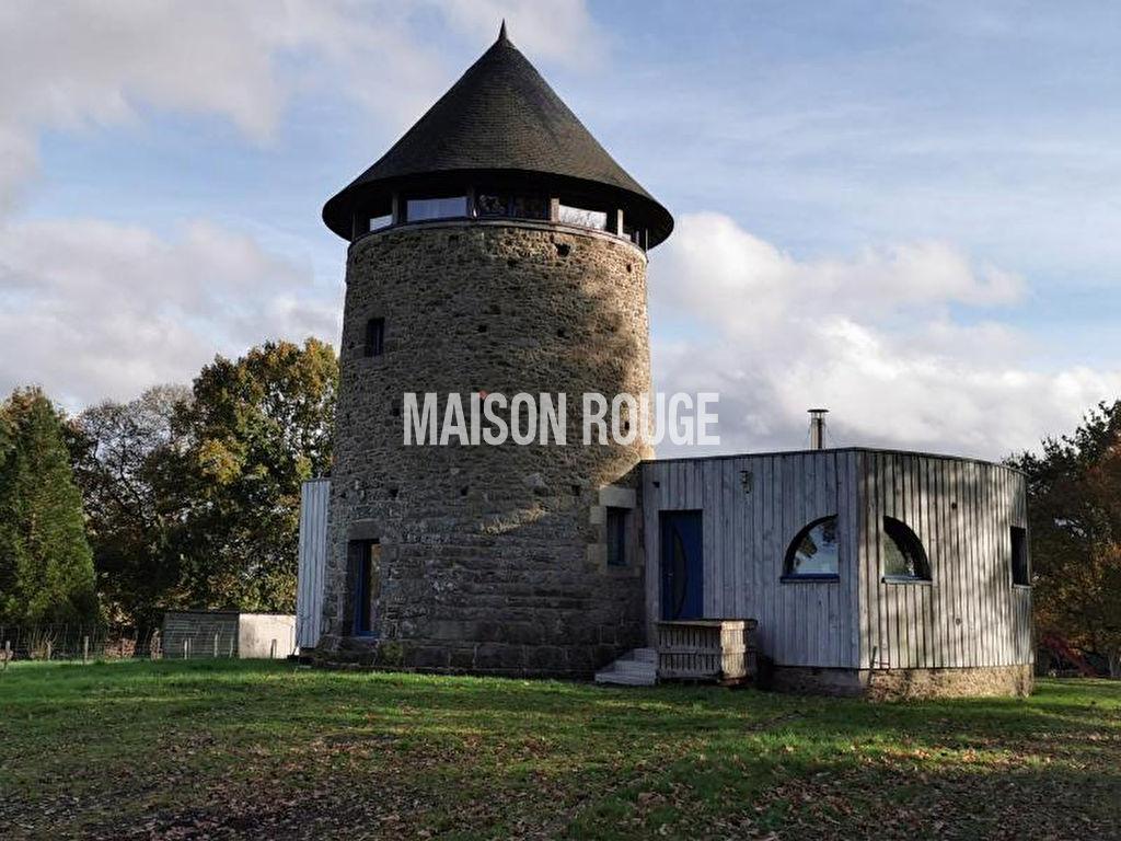 Ancien moulin à vent restauré avec dépendances sur 3.2 hectares