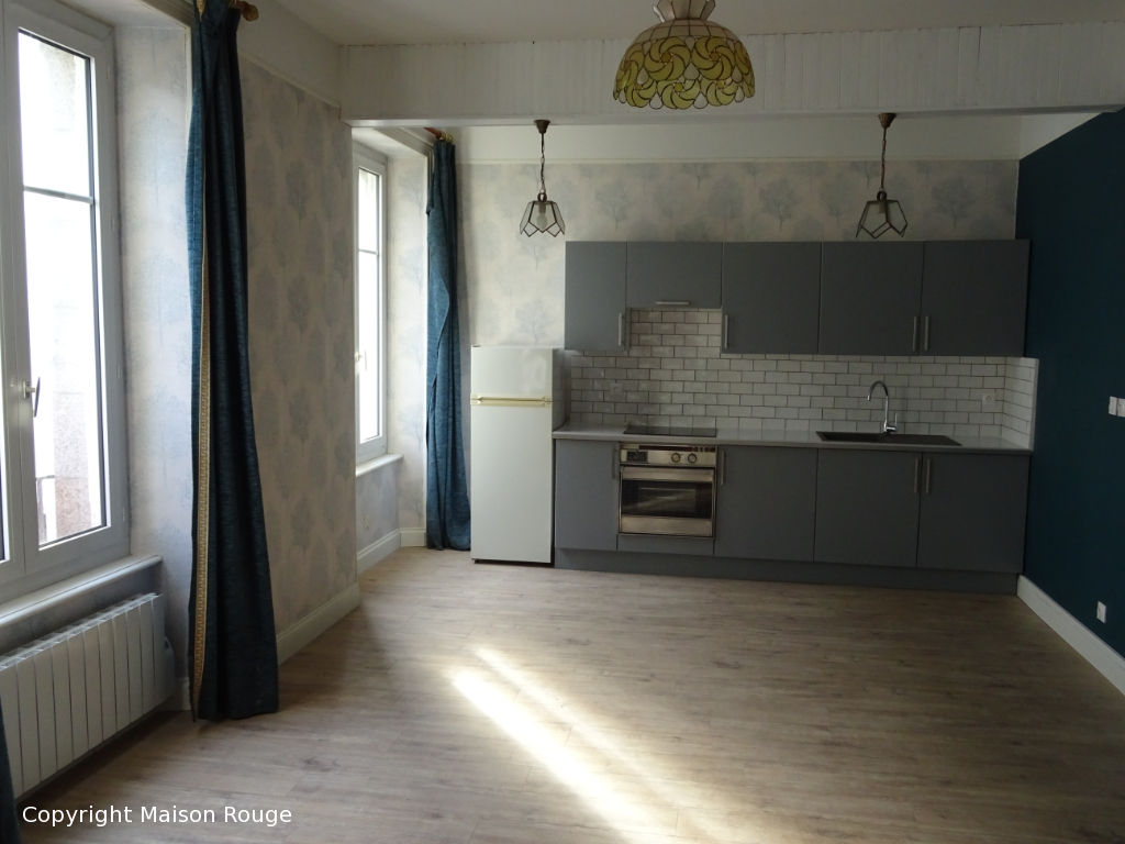 Dinan quartier gare, appartement ancien refait à neuf