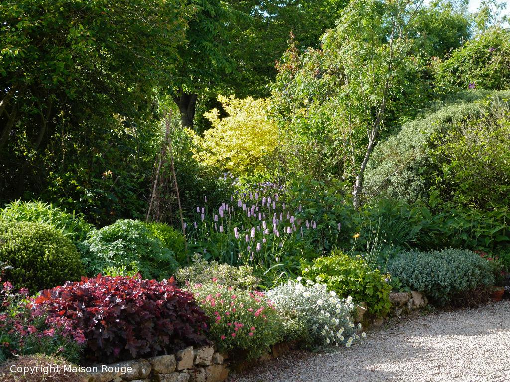 Charmante propriété à la campagne sur un jardin bucolique d'un hectare