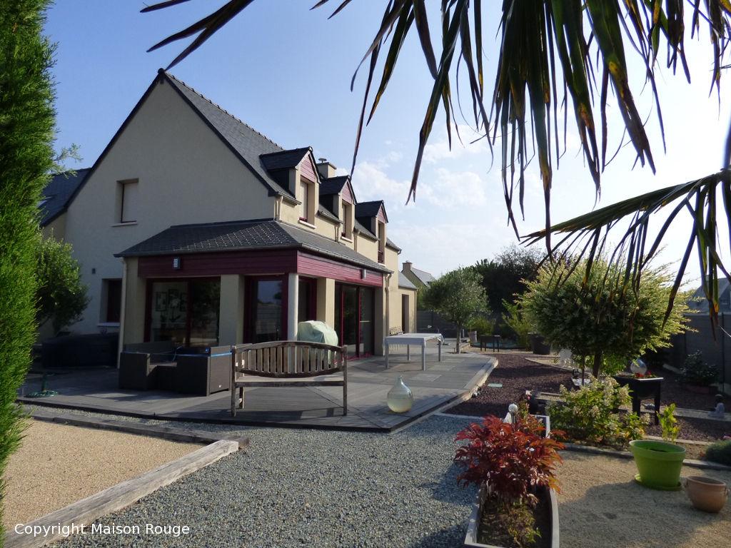 Maison St Jouan Des Guerets , terrain d'environ 760m²
