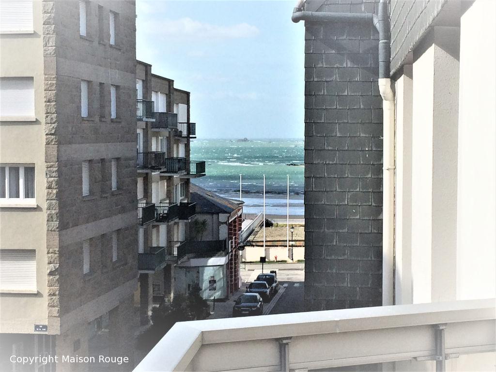 Centre Dinard T3 avec terrasse et parking