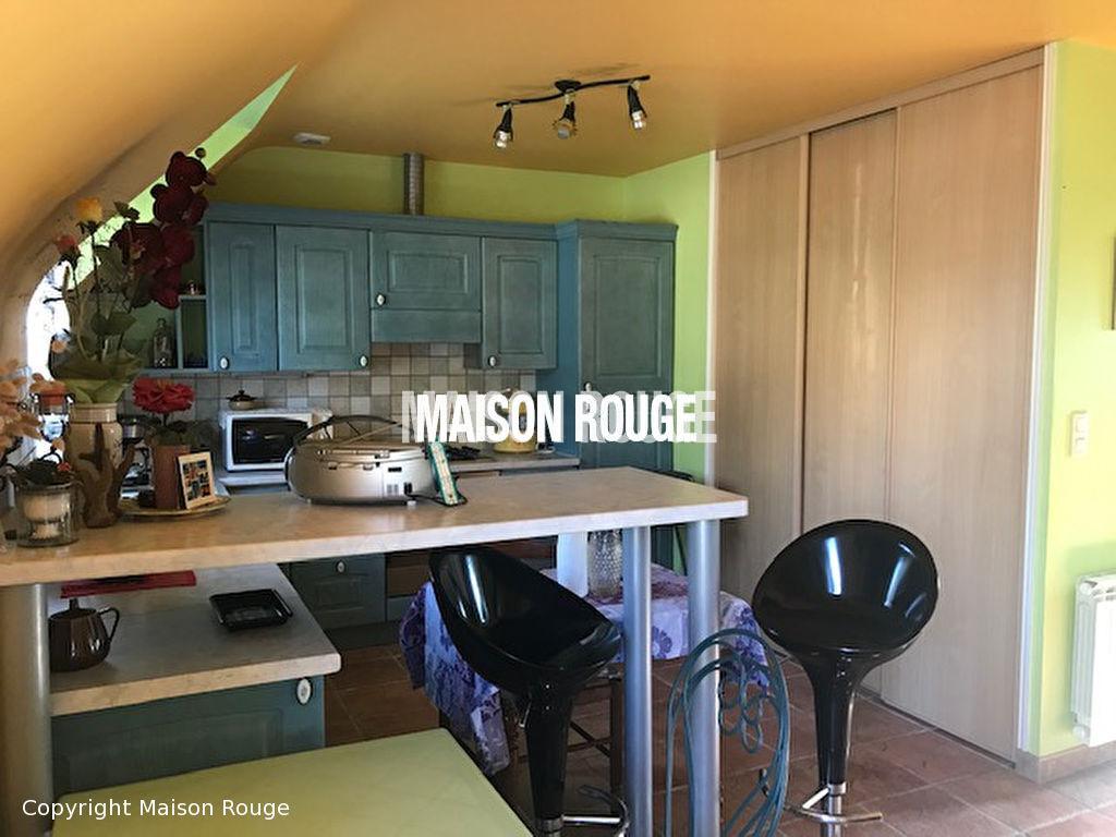 Maison  8 pièce(s) 185 m²