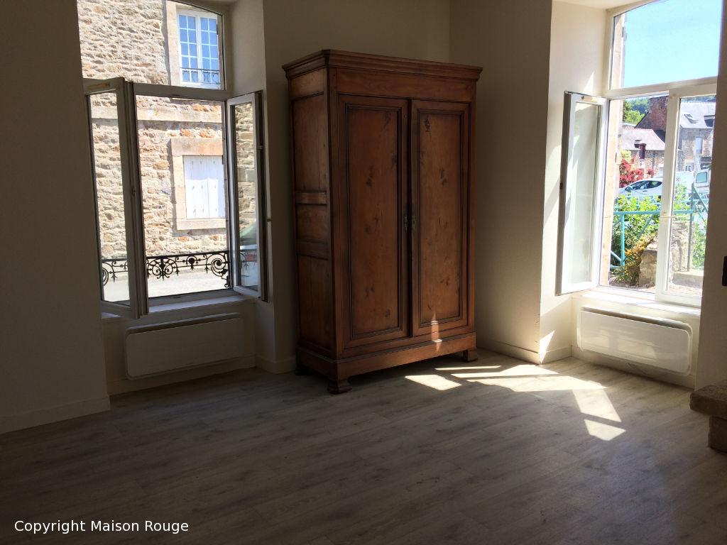 Appartement T2 rez-de-chaussée PLANCOET avec Garage