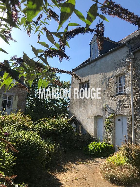 Saint-Briac-sur-Mer, maison  de charme à rénover centre bourg