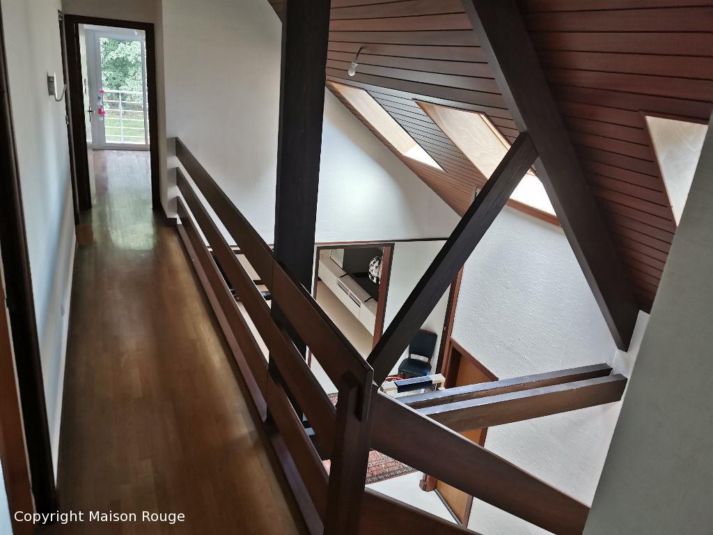 Spacieuse maison d'architecte nichée dans son écrin de verdure de 2 hectares