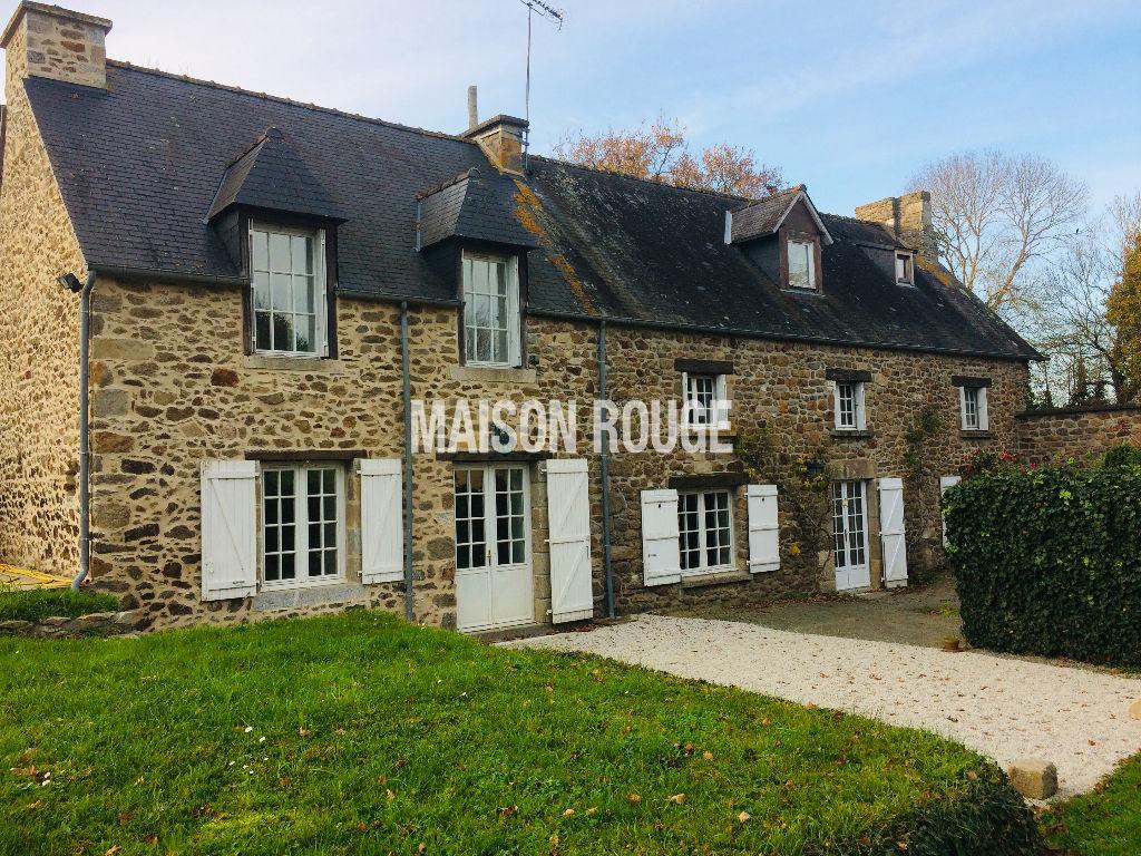 PLEURTUIT PROCHE FREMUR - Maison en pierres 11 pièces proche centre et plages Dinard