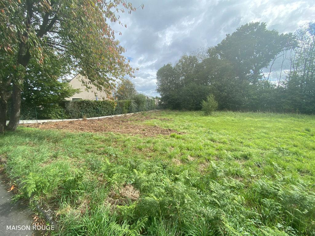 Secteur de LEHON : terrain  hors lotissement de 750 m2