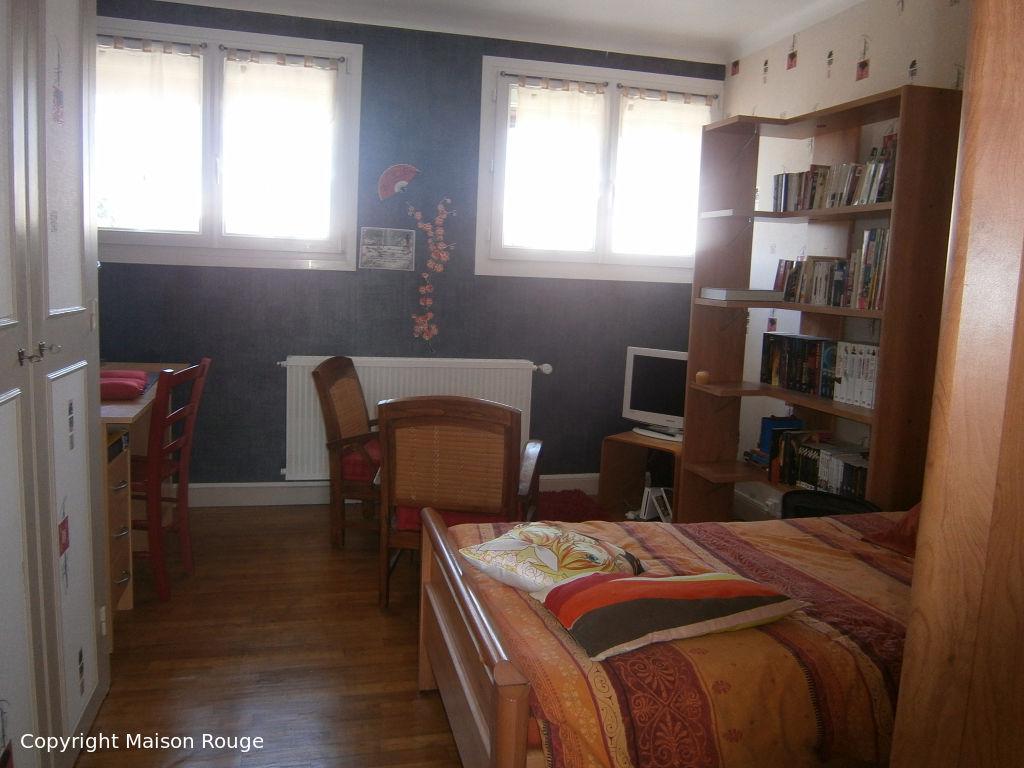 Maison traditionnelle en bon état sur Trelivan 7 pièce(s) 150 m2