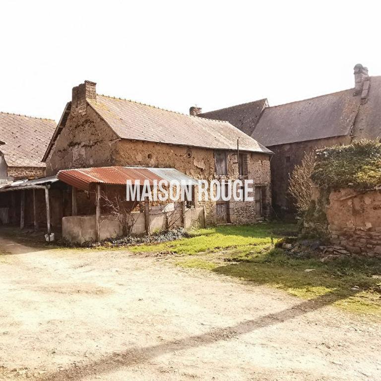 Maison en pierres à moderniser à la campagne