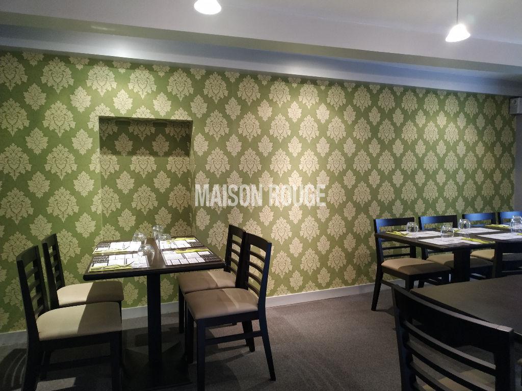 Plein Centre de PLANCOET  : A vendre Murs et fonds Restaurant + appartement