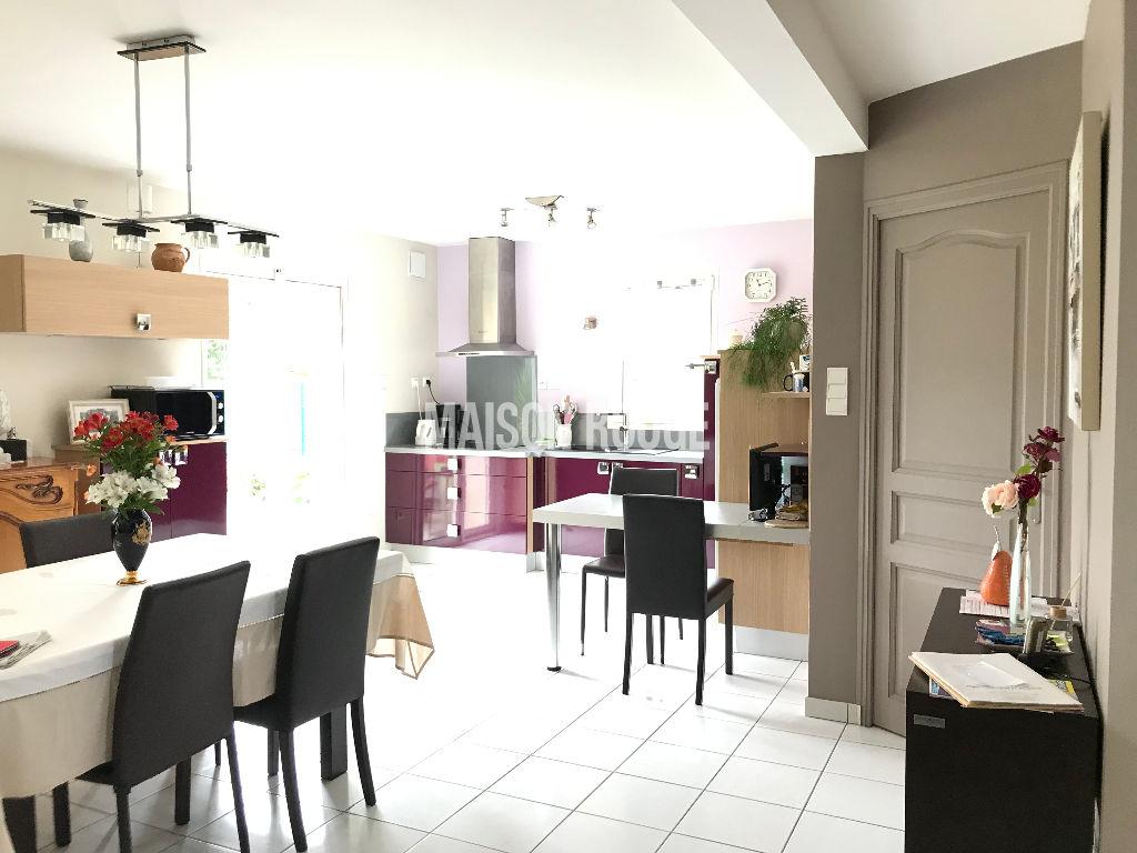 Maison PLOUBALAY CENTRE  6 pièce(s) 102 m2