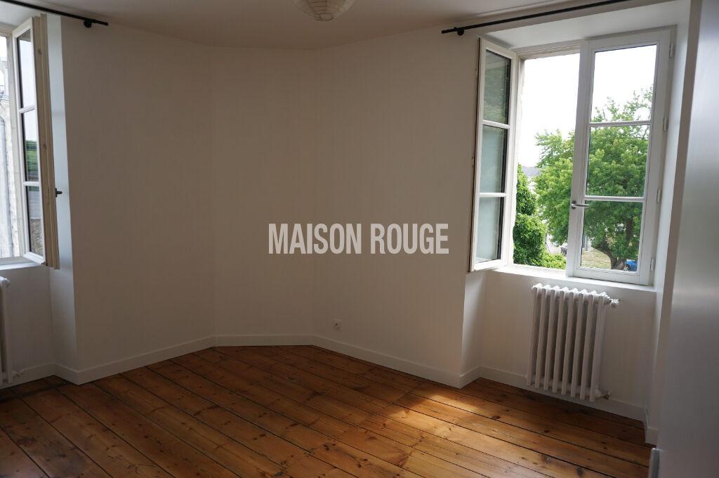 LAVAL PLEIN CENTRE Maison  7 pièce(s) 206 m2