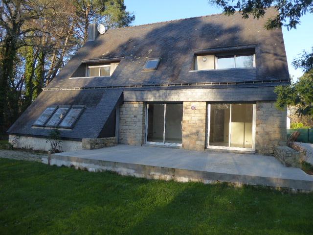 56400 MORBIHAN SUD Maison Ploemel 5 pièce(s) 158 m² Golf de Saint laurent 4 chambres dont 1 en rdc terrain de 1530m²
