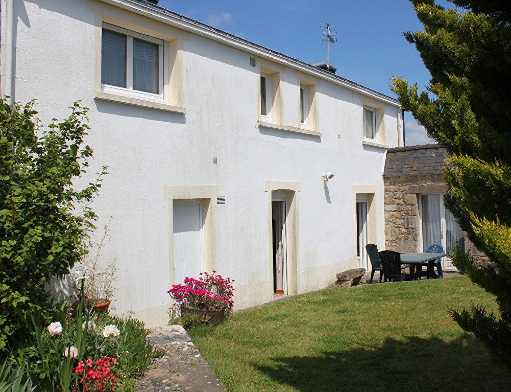 Maison Etel 4 pièce(s)56410 Maison de pays avec dépendance garage et terrain de 381m²