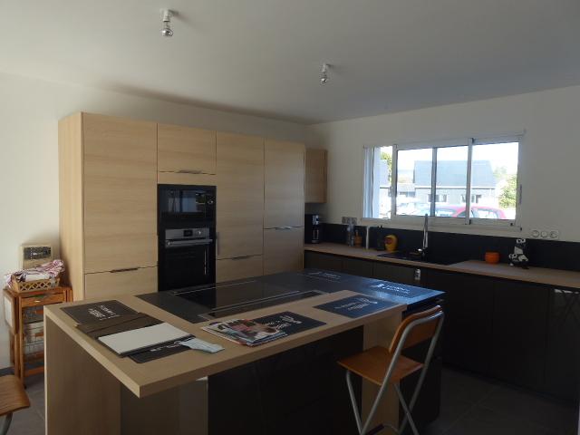 Maison Locoal Mendon 56550 5 pièce(s) belle contemporaine de plain pied de 2020 3 CHAMBRES GARAGE et jardin de 430m²