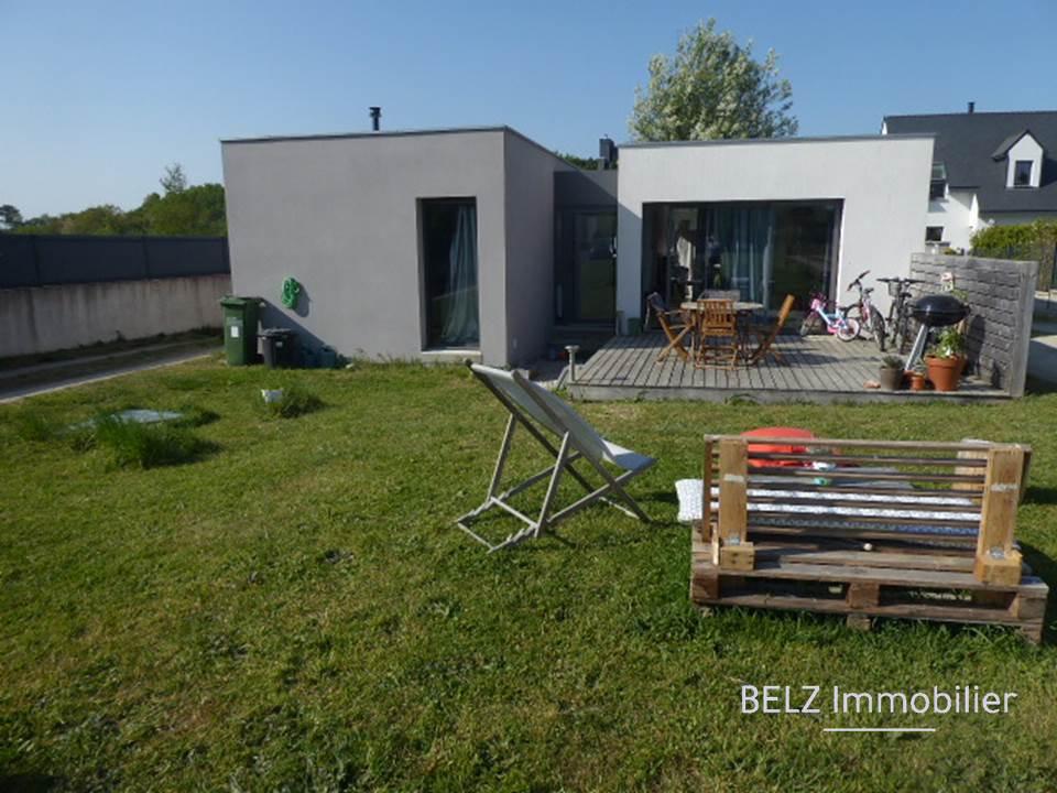 56400 Ploemel Proche centre Maison contemporaine de plain-pied 2 chambres et terrain de 565m²